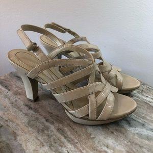 Naturalizer size 7 sandals heels beige patent